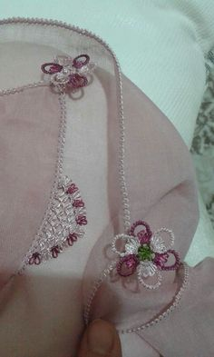 This Pin was discovered by Okt Needle Lace, Bobbin Lace, Point Lace, Lace Making, Beautiful Crochet, Needlepoint, Tatting, Embroidery Designs, Needlework