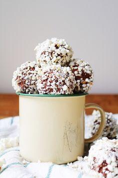 Chokladbollar med Popcorn