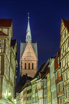 Marketplace Church (Marktkirche) and old half-timbered houses of Hannover, Germany