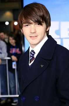 drake bell I miss Drake and Josh. Drake Bell, Drake Y Josh, Drake Parker, Actors Then And Now, Attractive Guys, Man Photo, Celebs, Celebrities, Good Looking Men