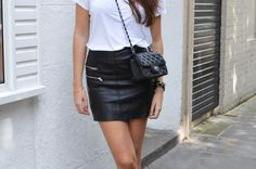 Comment porter la jupe en (simili) cuir ? • Hellocoton.fr