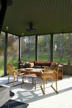Uma sala de estar com ares de terraço