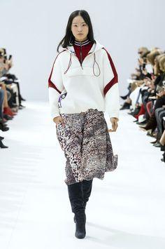 PFW: LEONARD Fall Winter 2018.19 Womenswear Collection