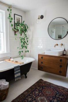 Vintage Farmhouse Kitchen Island Inspirations 1 – – Home Decor İdeas Modern Eclectic Bathroom, Modern Bathroom Decor, Bathroom Interior, Home Interior, Modern Interior, Design Bathroom, Bathroom Remodeling, Remodeling Ideas, Bathroom Ideas