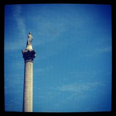 A sunny morning in Trafalgar Square, #London #BurberryWeather