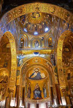 Medieval Byzantine style mosaics of the main aisle & altar, Palatine Chapel, Cappella Palatina, Palermo, Italy Palatine Chapel, Jesus Art, Byzantine Art, Cathedral Church, Amazing Buildings, Historical Art, Catholic Art, Orthodox Icons, Place Of Worship