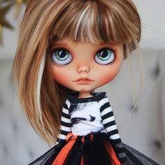 Sweet Nela has been adopted in California, USA ♥️ thanks so much yo her lovely mommy! Ooak Dolls, Blythe Dolls, Barbie Dolls, Art Dolls, Pretty Dolls, Beautiful Dolls, Gothic Dolls, Little Doll, Hello Dolly