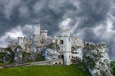 Ogrodzieniec Castle, near Krakow, Poland  © Jim  Zuckerman