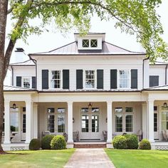 Dark Gray Outside Home Shade with White Trim . The combination of blue and also white exterior colors provide this waterfront residence a conventional look Design Exterior farmhouse dream homes Trendy Farmhouse Exterior Home Design Ideas - KATYDIDANDKID Home Design, Design Ideas, Home Outside Design, Casas The Sims 4, Dream House Exterior, Classic House Exterior, White Siding House, White Trim, Gray Trim