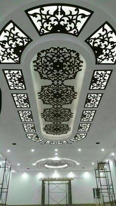 decoration ca nc platre salon Ceiling Design Modern, Luxury Ceiling Design, Ceiling Decor, Ceiling Design, Roof Design, Tv Wall Design, Ceiling Light Design, Interior Design Images, Ceiling Design Bedroom
