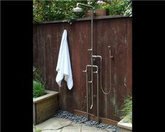 The Sonoma Forge Waterbridge 1080 Outdoor Shower with Foot Wash and Handshower features a rain-style shower head, a hand shower, and a foot wash. Outdoor Baths, Outdoor Bathrooms, Outdoor Pool, Outside Showers, Outdoor Showers, Outdoor Shower Kits, Open Showers, Outdoor Spaces, Outdoor Living