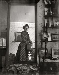 Selfies in 1900, scary