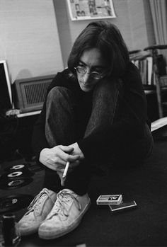 john-lennons-sideburns: John Lennon listening to The White Album Photo by Ethan Russell