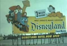 Vintage Disneyland Video from 1955 - Disneyland Hotel, Vintage Disneyland, Disney Dream, Disney Love, Disney Magic, Disney Fan Art, Disney Stuff, Disneyland History, Disneyland