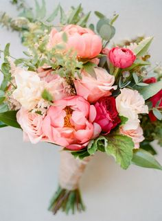 14 Questions to Ask Your Wedding Florist - - Modern Wedding Etiquette:Everything You Need To Know Wedding Tip# 507 Diy Wedding Flowers, Wedding Flower Arrangements, Bridal Flowers, Floral Wedding, Wedding Colors, Floral Arrangements, Wedding Bouquets, Flower Bouquets, Wedding Etiquette