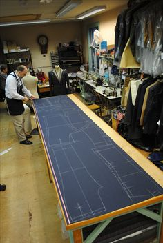 George Brummell Bespoke Tailors of London specialises in bespoke suits, overcoats, blazers, field-sports clothing/suits, wedding wear, and other formal attire for all special occasions, including customised uniforms.