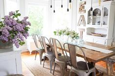 Floral make a wow statement in any room. Optimize the weeks when fresh blooms are available for snipping to give your home the Wow factor it deserves, Vintage Farmhouse, Farmhouse Style, Farmhouse Kitchens, Dining Room Inspiration, Interior Design Services, Dining Table, Dining Rooms, Lightroom, Lilacs
