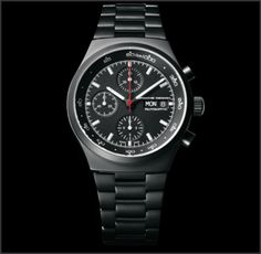 Heritage Black Chronograph - The Chronograph I laid the foundation for Porsche Design in 1972. The new edition, the Black Chronograph, follows the design 1:1. Thanks to a special lacquer, the timepiece is entirely black. For reduced light reflections. Automatic movement with Porsche Design Rotorsystem ETA Valjoux 7750. Hours, minutes, seconds, chrongraph functions, day and date indication, 46h power reserve, 28'800 A/h, Waterproof to 100 m.