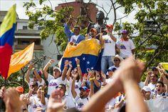 El 85 por ciento de los venezolanos está descontento con la marcha del país  http://www.elperiodicodeutah.com/2015/12/noticias/internacionales/el-85-por-ciento-de-los-venezolanos-esta-descontento-con-la-marcha-del-pais/
