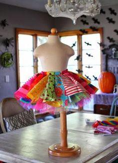 Яркая юбочка для маскарадного костюма клоунессы