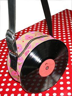 The bag disc  Sac a main en disque vinyl fleur red de à l'heure du vinyl sur DaWanda.com