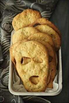 "My Diverse Kitchen - Food & Photography From A Vegetarian Kitchen In India : Herbed ""Boo/ Ghost"" Breads For Halloween"
