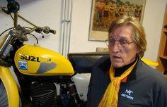 Suzuki Dirt Bikes, Suzuki Motocross, Motocross Riders, Motocross Stickers, Mx Racing, Vintage Motocross, Old Bikes, Dirtbikes, Vintage Bikes