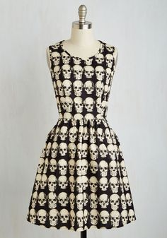 Down to the Flair Bones Dress. Let this pocketed A-line be the fab framework of your outfit, and marvel at how the rest of your edgy ensemble simply falls into place! This is the most amazing dress I've ever seen! Plus Size Dresses, Cute Dresses, Casual Dresses, Floral Dresses, Pretty Outfits, Cool Outfits, Rockabilly, Retro Vintage Dresses, Mod Dress