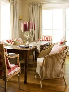 This dining room looks so inviting and comfortable. Great for a casual evening with friends and family.