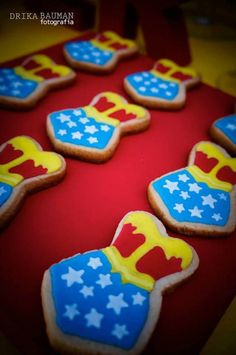 Wonder Woman themed birthday party with Lots of Really Cute Ideas via Kara's Party Ideas! full of decorating ideas, decor, desserts, cakes, .I need this for my next birthday party Wonder Woman Birthday, Wonder Woman Party, Birthday Woman, 40th Birthday Parties, Birthday Party Games, Birthday Snacks, Birthday Ideas, Superhero Theme Party, Party Themes
