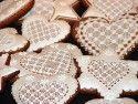 Výborné medovníčky: (tento recept pochádza z Turčianskej záhradky z 19.storočia) 1050 g hladkej múky...