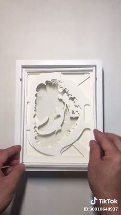 DIY Paper Frame Paper Art Craft Artwork Tutorial- Illuminating in a stylish and playful way Source by kerrischochip - Diy Home Crafts, Diy Arts And Crafts, Creative Crafts, 3d Paper Art, Paper Cutting Art, 3d Paper Crafts, Paper Artwork, 3d Artwork, Paper Paper
