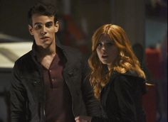 Katherine McNamara and Alberto Rosende in Shadowhunters: The Mortal Instruments Clary And Simon, Clary And Jace, Shadowhunters Tv Series, Shadowhunters The Mortal Instruments, Clary Fray, Alberto Rosende, Season 2 Episode 1, Simon Lewis, Cassandra Clare Books