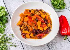 Édesburgonyás-babos curry Pot Roast, Thai Red Curry, Sweet Potato, Carrots, Potatoes, Baking, Vegetables, Ethnic Recipes, Food