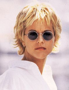 Meg Ryan..I like this look !!!