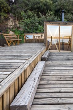 Image 24 of 48 from gallery of Hostal Ritoque / Alejandro Soffia + Gabriel Rudolphy. Photograph by Juan Durán Sierralta Contemporary Architecture, Architecture Design, Outdoor Landscaping, Outdoor Decor, Outdoor Stuff, Treehouse Cabins, Pergola, Hillside House, Gabriel