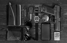 EDC (every day carry) items carried on a daily basis to manage common tasks or for use in unexpected situations or emergencies. In a broader sense, it is a lifestyle, discipline, or philosophy of preparedness. Edc Essentials, Everyday Carry Gear, Everyday Items, Gadgets, Doomsday Prepping, Edc Gear, Mans World, Guns And Ammo, Tactical Gear