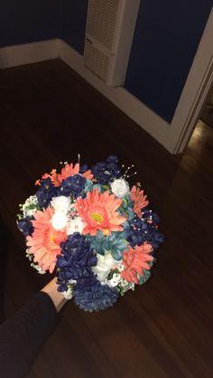 DIY bridal bouquet. So easy. Navy and coral wedding