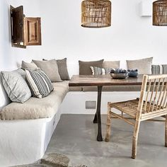 Gorgeous contemporary rustic villa with scandinavian influences, Home Decor, Contemporary rustic villa with scandinavian influences in Deià, Mallorca, designed by More Design. Photo by Greg Cox via Est Magazine. Rustic Contemporary, Contemporary Interior Design, Interior Design Kitchen, Built In Furniture, Furniture Vintage, Bar Furniture, Farmhouse Furniture, Furniture Online, Industrial Furniture