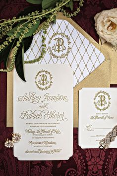 A Downton Abbey inspiration shoot with a Southern twist and plenty of elegant vintage golden details. Gatsby Wedding Dress, Glamorous Wedding, Wedding Blog, Wedding Styles, Wedding Ideas, Wedding Invitation Paper, Simple Wedding Invitations, Wedding Ceremony, Wedding Venues