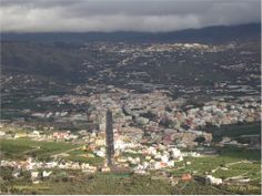 Los Llanos de Aridane, La Palma, Islas Canarias! What a scene! Taken from up in the heights (the mounts around the city) by Jess Bottles 2010.