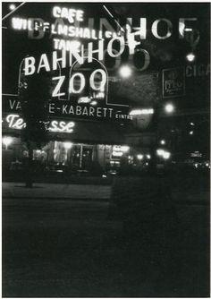 ☢ Bahnhof Zoo.