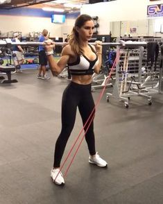 """Alexia Clark on Instagram: """"Band and Bars 1. 10-12 reps 2. 15 each side 3. 15-20 reps 4. 12-15 each side 3-5 rounds #alexiaclark #queenofworkouts #motivation…"""""""