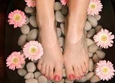Je prends soin de mes pieds avec les socquettes en #soie Climsom. http://www.climsom.com/fra/chaussette-soie-blanche.php?codeoffer=SocquetteSoieB&SCT=BAU&UNV=NBO #beauté