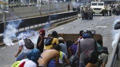 Venezuelans shut down capital roads to protest government http://www.koat.com/article/venezuelans-shut-down-capital-roads-to-protest-government/9902228?utm_campaign=crowdfire&utm_content=crowdfire&utm_medium=social&utm_source=pinterest