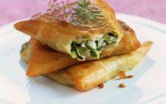 I Love Food, Good Food, Yummy Food, Vegetarian Recipes, Snack Recipes, Feta, Bread And Pastries, Arabic Food, Greek Recipes