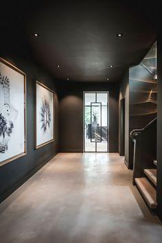 Villa jaren 30 in Hilversum - Villa jaren 30 in Hilversum - Home Interior Design, Interior Architecture, Interior And Exterior, Villa Design, House Design, Flur Design, Style At Home, Dark Interiors, Cheap Home Decor