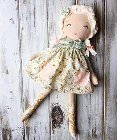 Handmade Rag Dolls SpunCandy SpunCandy Dolls ~ Omaha, NE ( on … Handmade Dolls Patterns, Handmade Toys, Doll Patterns, Handmade Rag Dolls, Pretty Dolls, Cute Dolls, Beautiful Dolls, Doll Crafts, Diy Doll