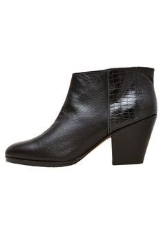 Rachel Comey Mars Boot | La Garçonne $403