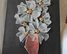 Items similar to Heart-shaped Seaglass Wall Art on Etsy Sea Glass Crafts, Sea Glass Art, Shell Crafts, Sea Glass Jewelry, Ceramics Projects, Art Projects, Glass Art Pictures, Pebble Art, Stone Art